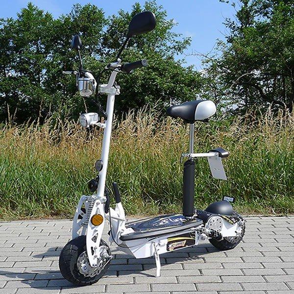 eFlux 20 km/h Elektro Roller / E-Scooter mit Strassenzulassung weiß